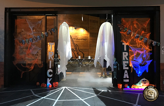 Halloween-entrance