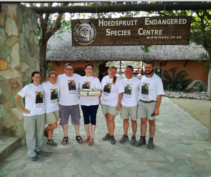 Gielie and Melanie with the HESC TEAM, with special T-shirts for the party.